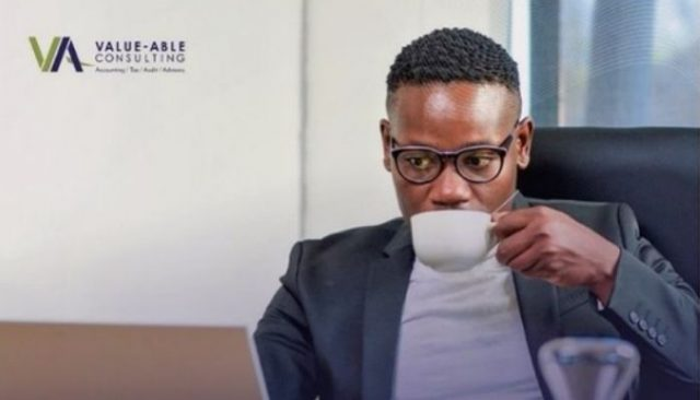 """Get To Know Zamokuhle """"Kwaito"""" Seakamela From Skeem Saam Age In Real Life 2021"""